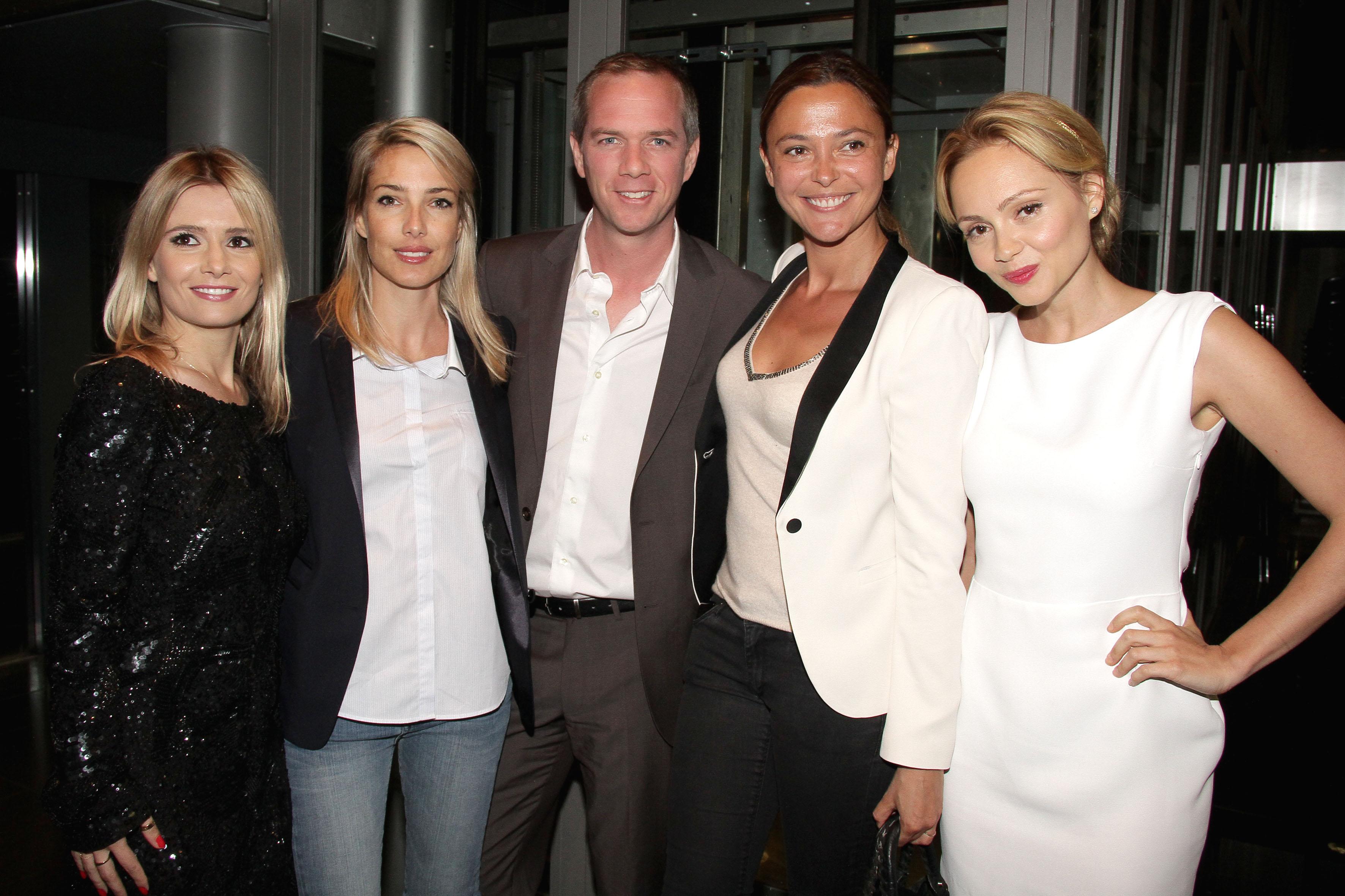 De g. à dte : Marie Inbona, Sidonie Bonnec, Julien Arnaud (TF1), Sandrine Quétier et Béatrice Rosen © Falour