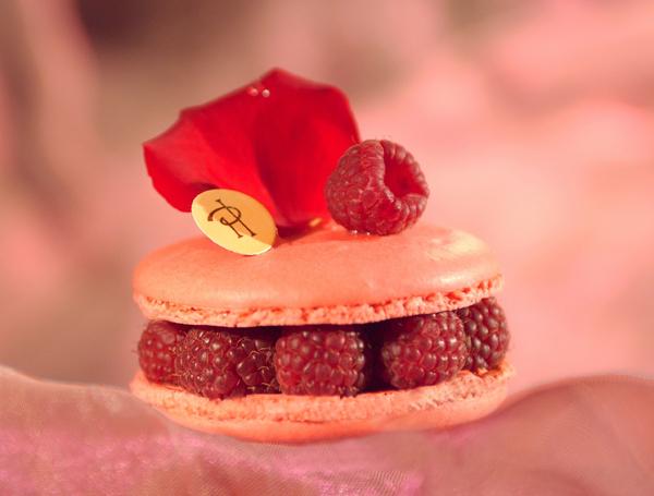 Macaron framboise Pierre Hermé