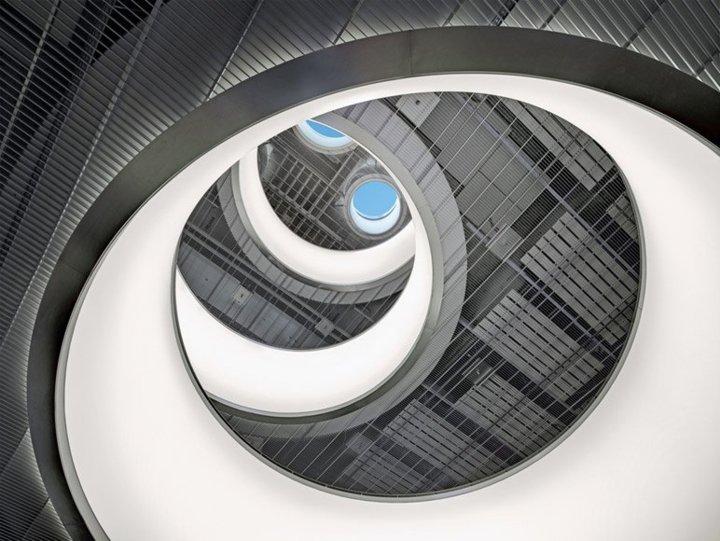 Rolex Bienne, puits de lumière