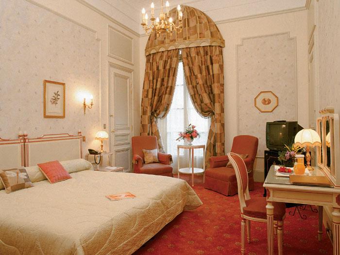 l 39 h tel du palais biarritz int gre le groupe orient express en tant qu 39 h tel associ firstluxe. Black Bedroom Furniture Sets. Home Design Ideas