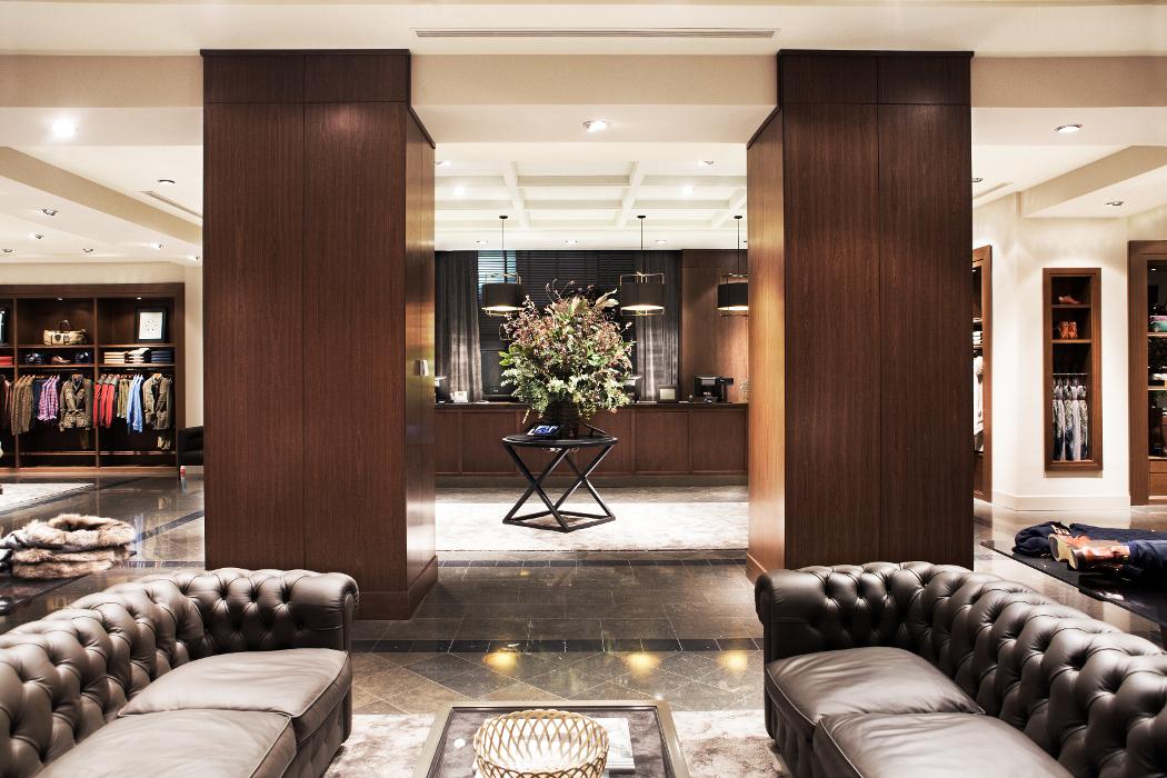 massimo dutti ouvre ses portes rue de la paix firstluxe. Black Bedroom Furniture Sets. Home Design Ideas