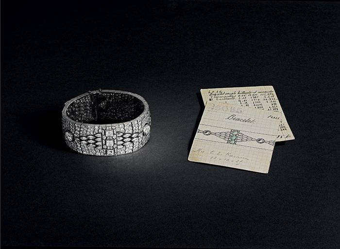 bracelet-art-deco © Van Cleef & Arpels, photo Patrick Gries