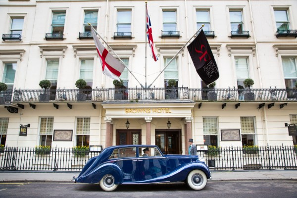 Brown's-Hotel-London-–-Vintage-Car-Transfer-Blue-Baron