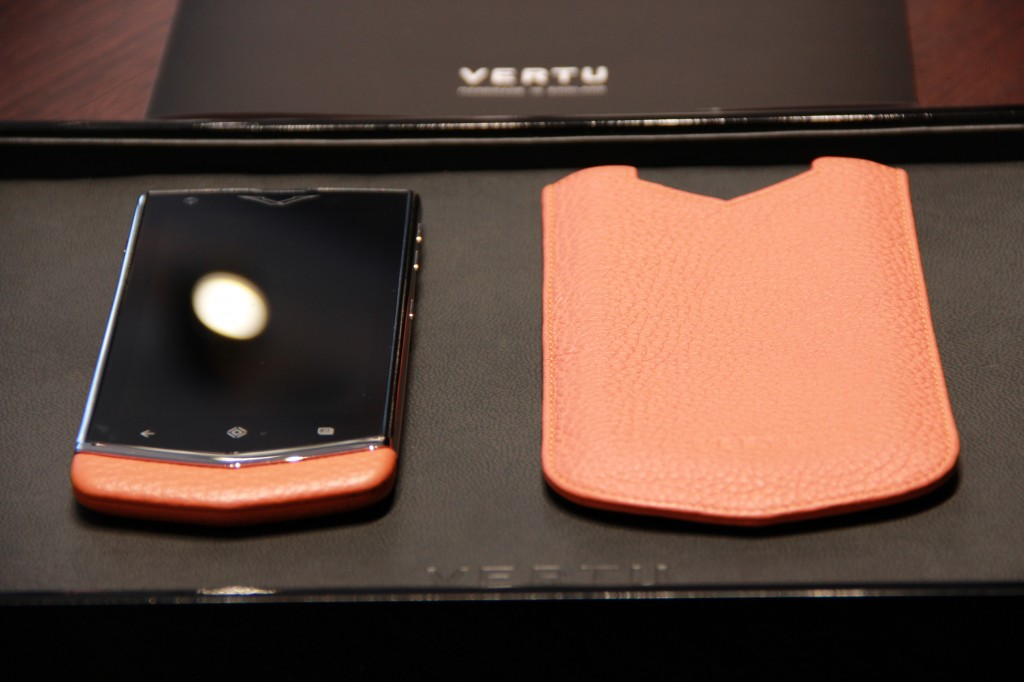 vertu-constellation-orange