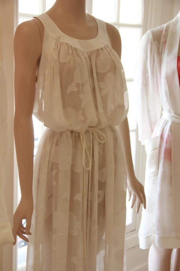 robe longue, 560 euros