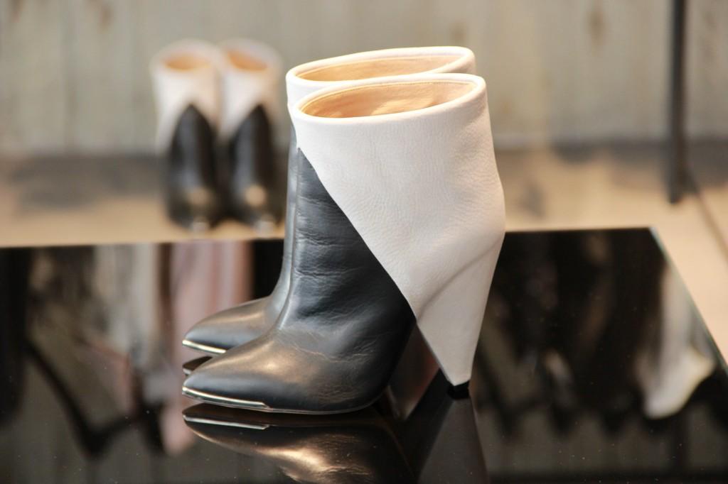 Boots 490 euros
