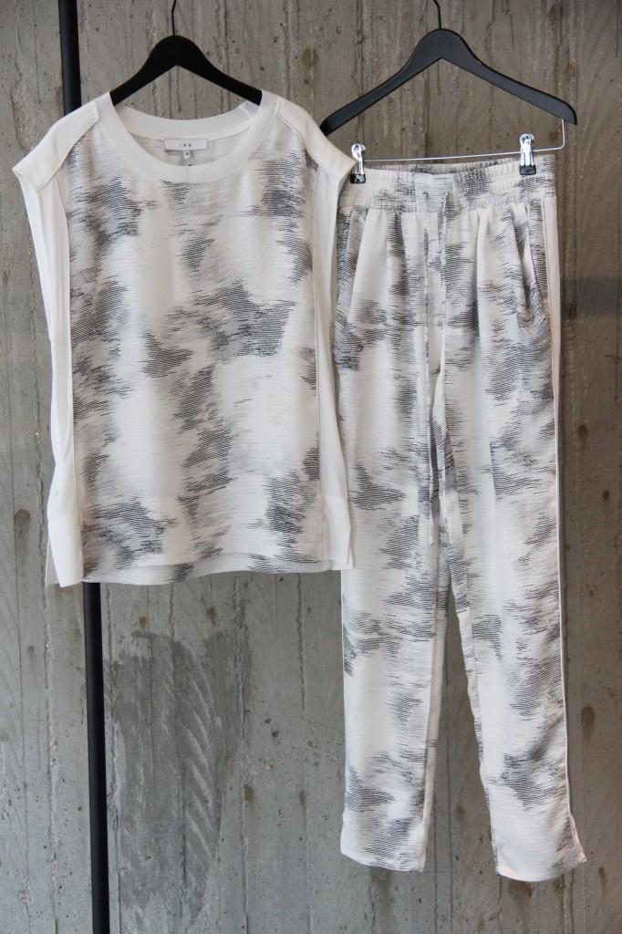 ensemble pantalon et top : 385 euros et 325 euros
