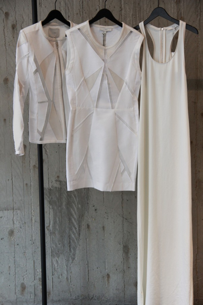 Robe longue 395 euros, Robe courte 535 euros et blouson 675 euros