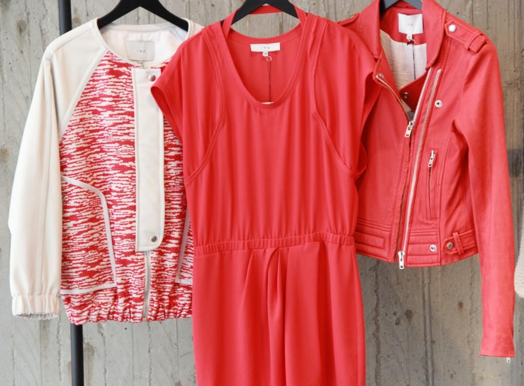 perfecto 875 euros, robe 220 euros et Blouson 595 euros