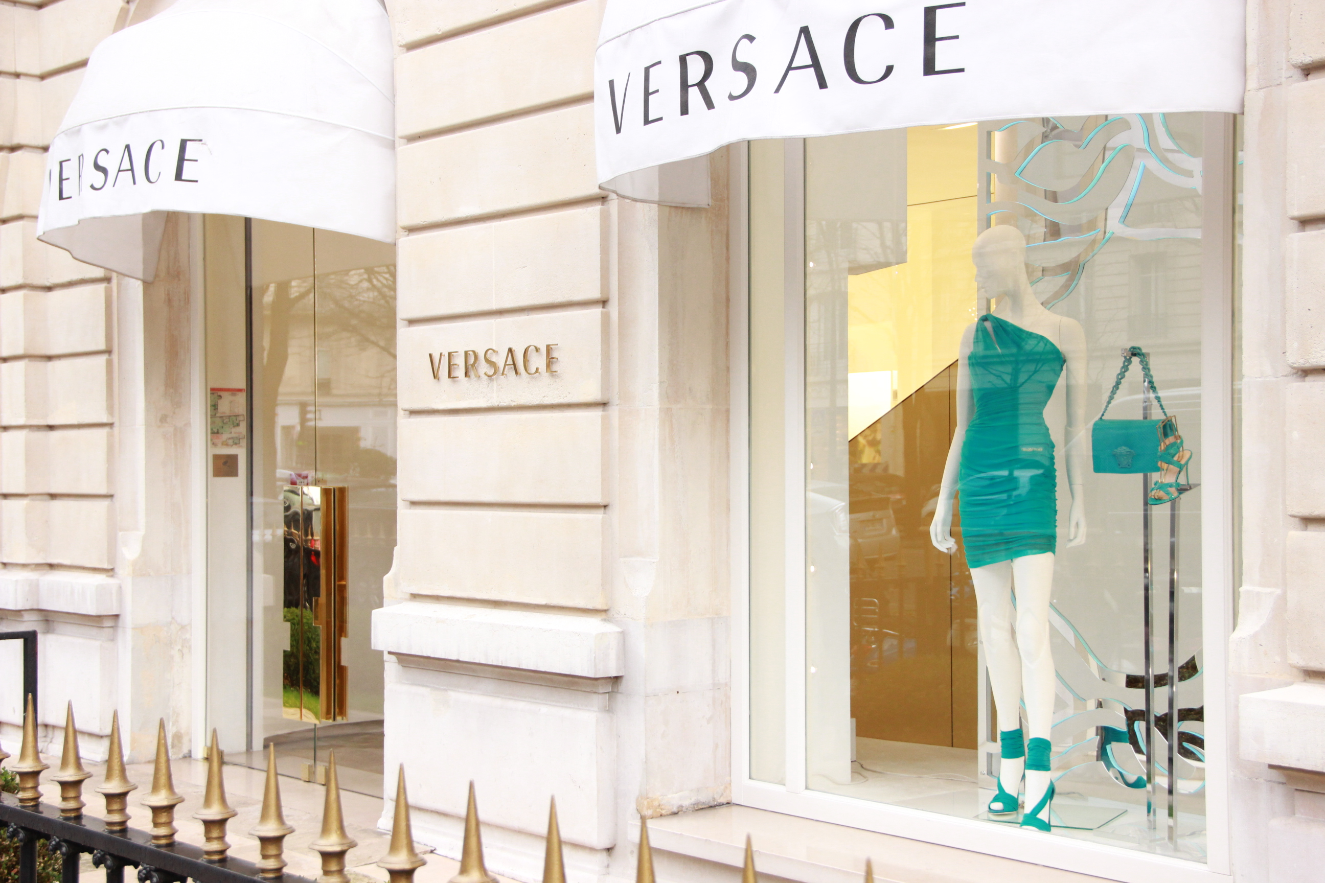 Versace A Paris