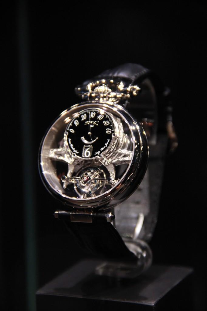 modèle AMADEO - VERTUOSOS , peut être transformé en montre de poche ou de table. 220 000 euros