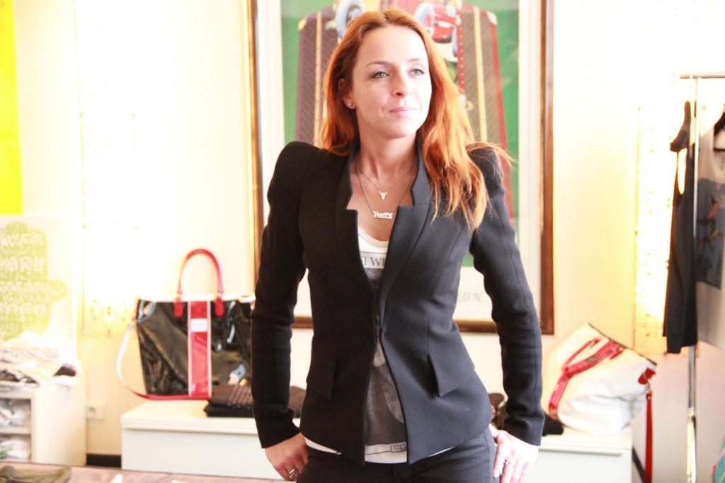 Léo portant la veste CLVII classique, 380 euros