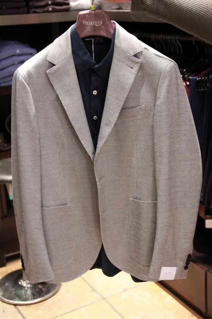 veste 695 euros