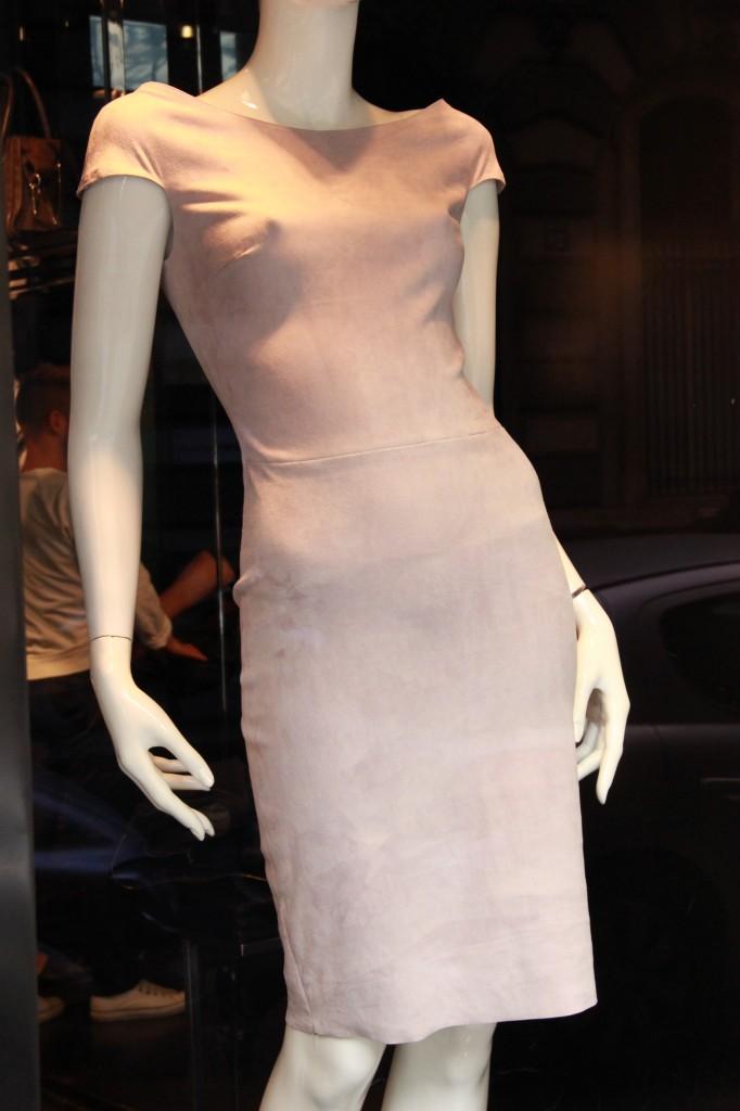 Robe Atlantique, un des best seller, 2150 euros. Existe également dans un vert émeraude splendide