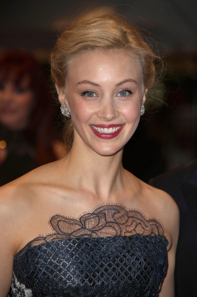 Sarah Gadon - Van Cleef & Arpels - Photo by Jean Catuffe - FilmMagic Getty Images 492357847