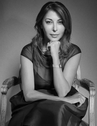 Eva H. Benhamou, rédactrice en chef par INCOGNITOSTUDIO Francis Taïeb. Fauteuil Talloires - Taillardat
