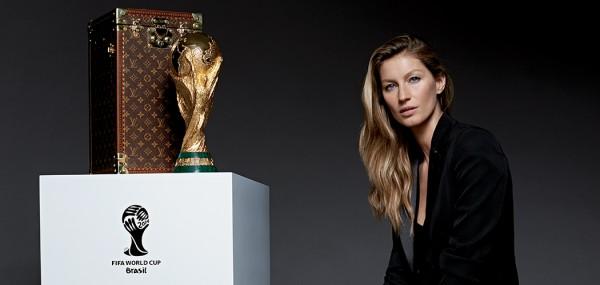 malle louis vuitton coupe du monde