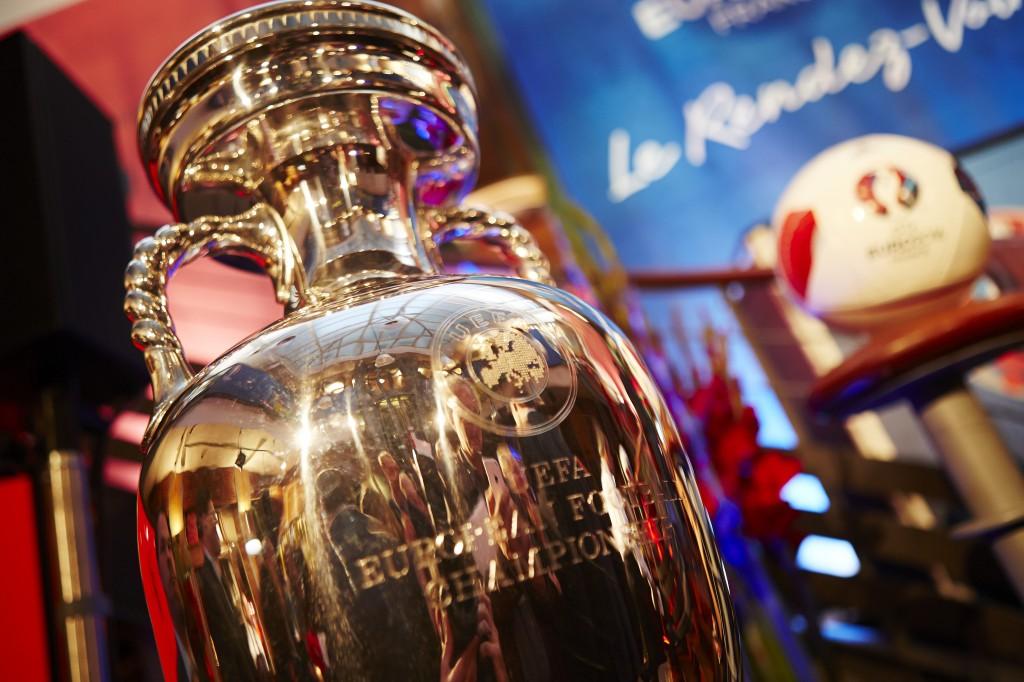UEFA EURO 2016 - Zoom Trophée Henri Delaunay