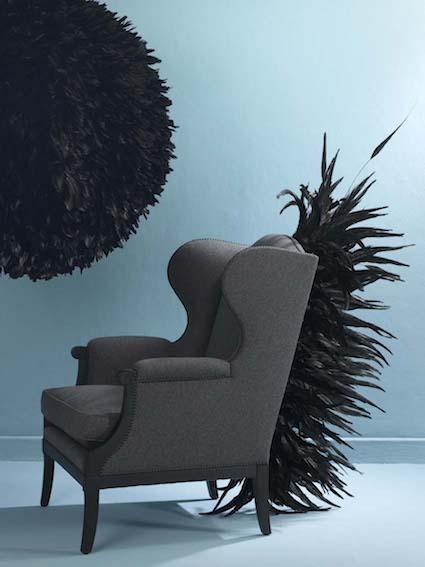 fauteuil punk boule noire fond bleu