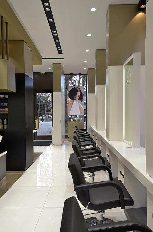 salon ADP postes de coiffage en long