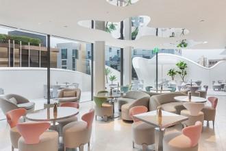 Le 20 juin dernier, Dior a ouvert une incroyable nouvelle boutique « The  House of Dior » située au cœur de l élégant Cheongdam-dong, dans le  quartier de ... e1a01f3a8ea