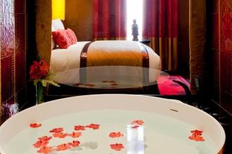 010505-04Buddha-Bar_Hotel_Paris_-_Japanese_Bathtub