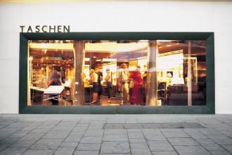 TASCHEN_store_paris_ 01
