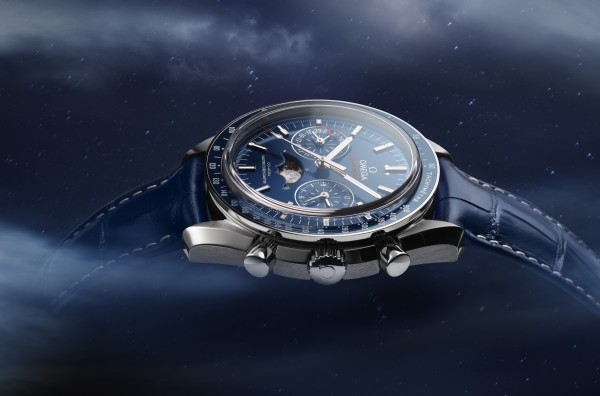 Speedmaster moonphase_304.33.44.52.03.001_with background_2
