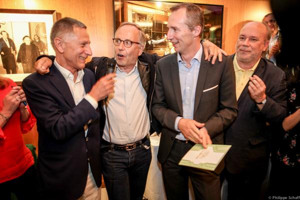 François Armanet (Président du prix de La Coupole), Fabrice Luchini, Vincent Lemaître (Directeur général du groupe Flo) et Marc Lambron