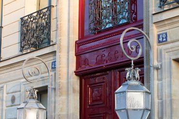 La-Reserve-Paris-Hotel-entree-2