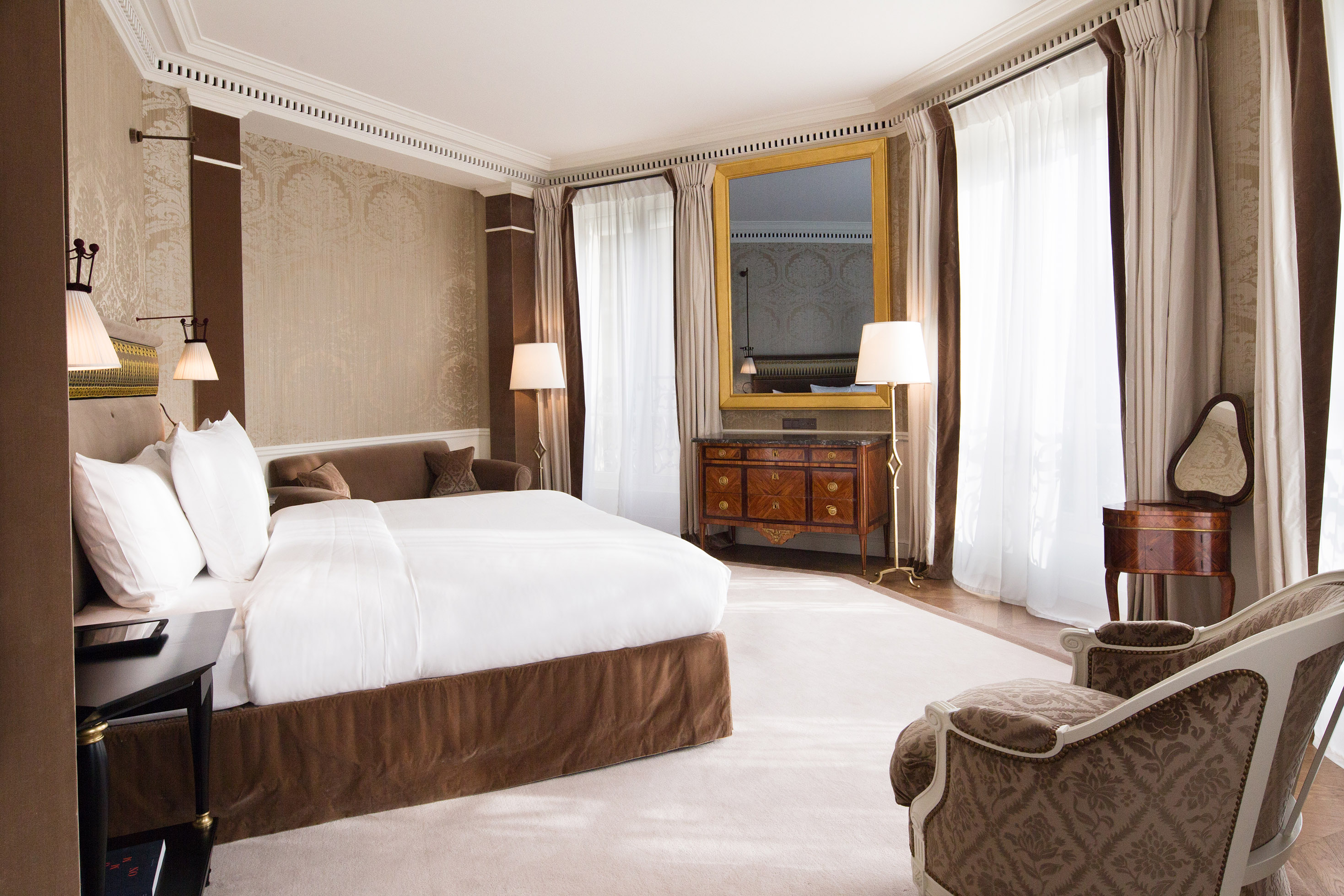 La r serve paris une grande maison sacr e palace firstluxe for Reserve une chambre