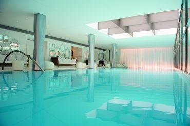 le-royal-monceau-raffles-paris-piscine-du-spa-my-blend-by-clarins-1