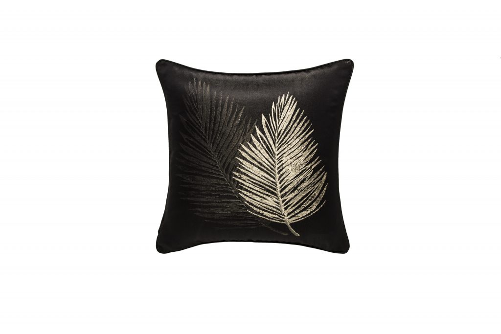 golden-deco-cushion