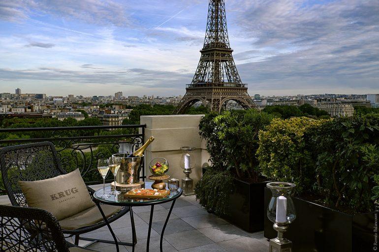 Le bar by krug cet t au shangri la hotel paris for Hotel paris design luxe