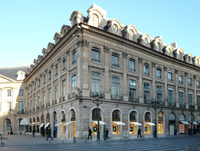 Louis Vuitton s'installe Place Vendôme
