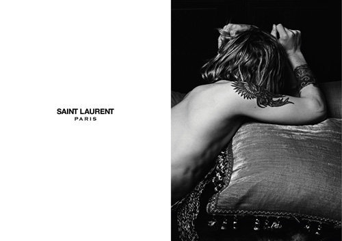Double page campagne Saint Laurent Paris par Hedi Slimane
