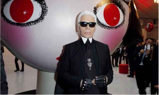 """Karl Lagerfeld et une """"Mon shu girls"""""""