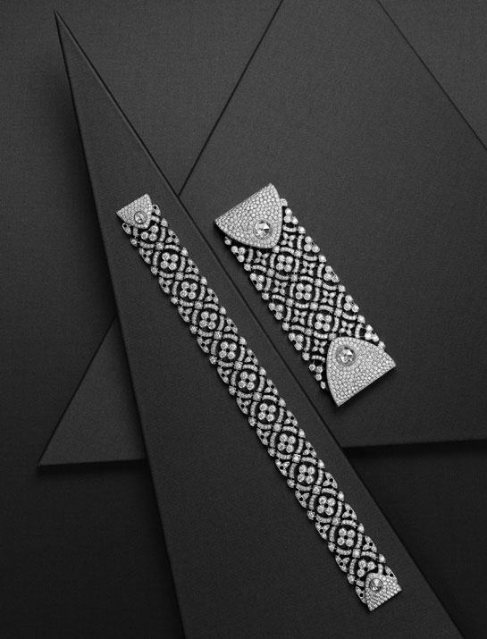 Bracelets en or gris, diamants taille rose, brillant et une broche en or gris, diamants taille rose, brillant.