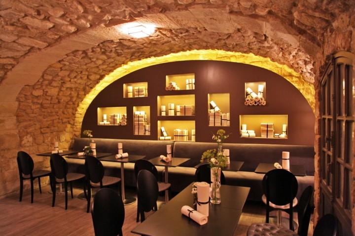 Salle du petit dejeuner à l'Hotel Verneuil, Paris