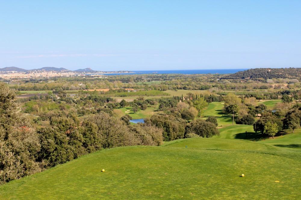 Vue mer trou 9 - Golf de Roquebrune sur Argens - Hotel 5 étoiles le Daya