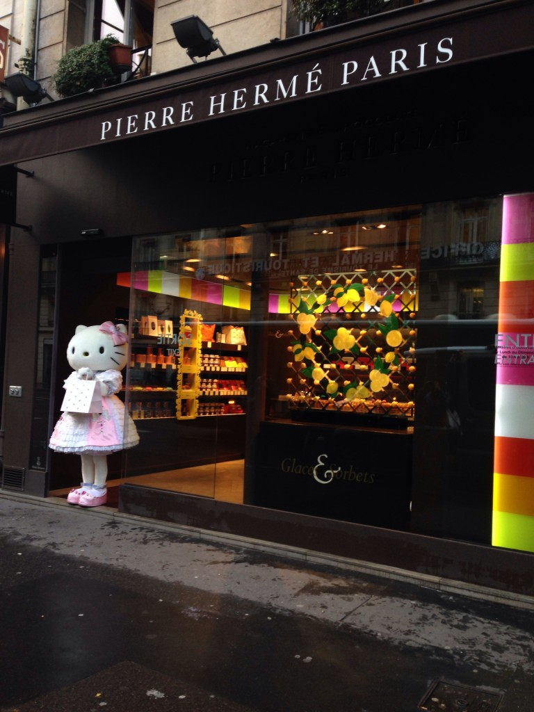 Pierre Herme Paris - Hello Kitty (c) CM