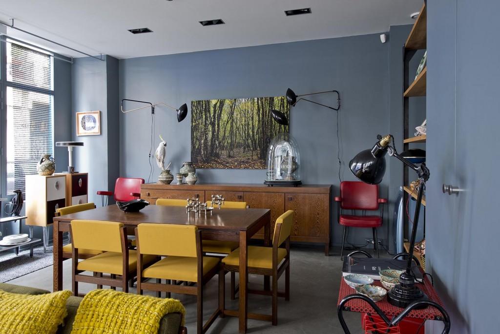 table et chaise de Martin Visser pour Spectrum - Photo Carole Descordes - Reedition de lampes dans le gout de Serge Mouille