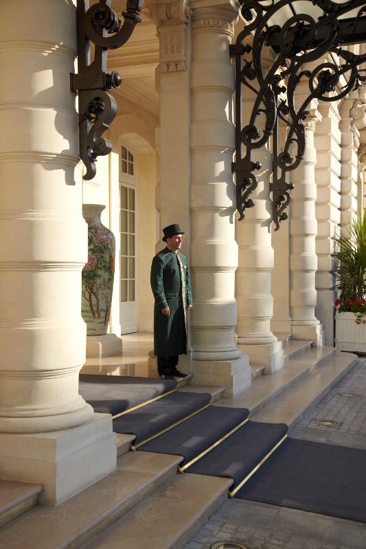 Entree Shangri-La Hotel Paris