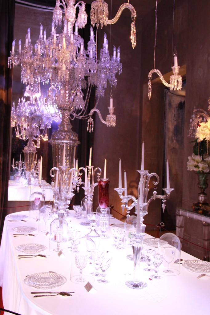 l'expositions 250 ans : table dressée avec les créations réalisées pour les plus grands de ce monde