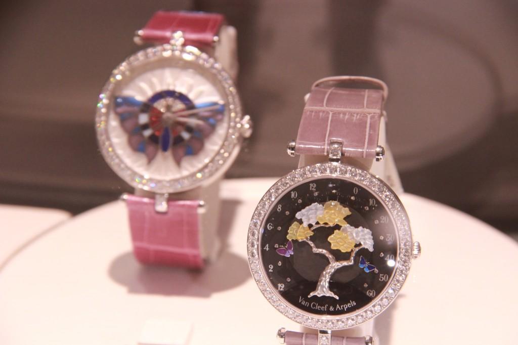Van Cleef & Arpels , montre bijou papillon 83690 euros, montre bijou arbre 108 000 euros