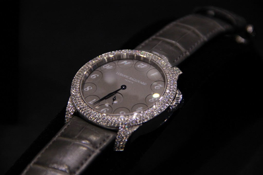 Montre Upside Down platine et diamants : 89 000 euros