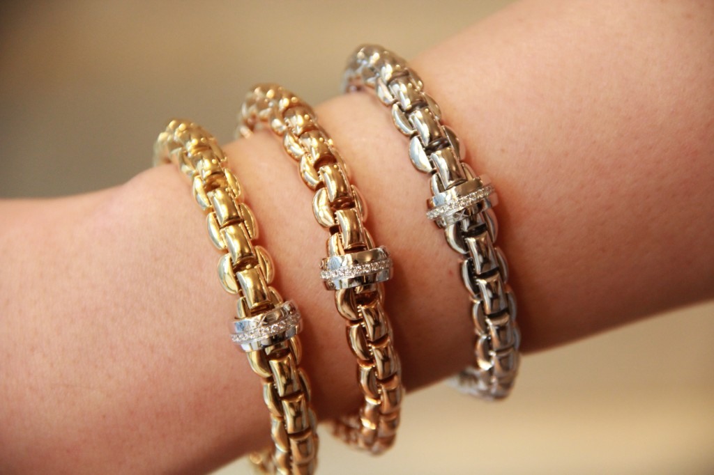 Bracelets or et diamants, 5850 euros
