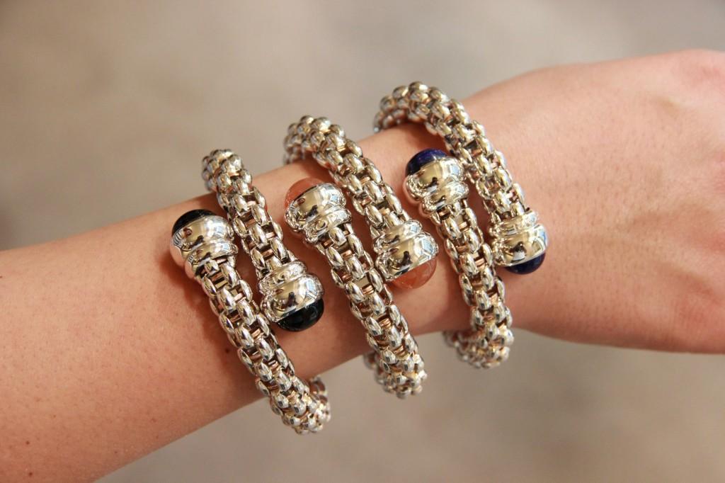 bracelets en argent palladié, 800 euros