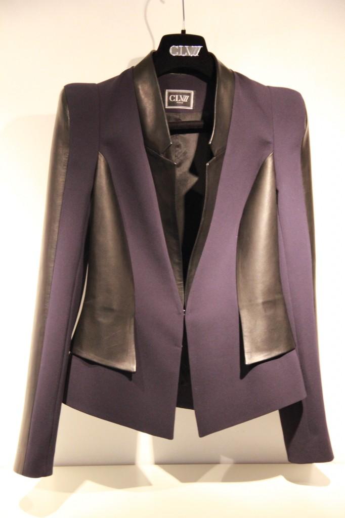 veste sur mesure bleu marine et noire, femme, 880 euros