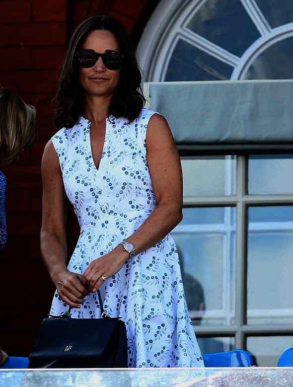 Pippa Middleton fan du sac Minueto CH Carolina Herrera